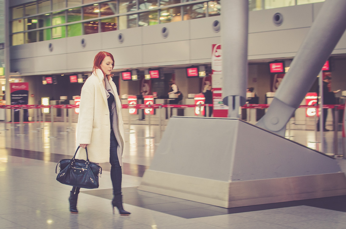 anna_frost_airport_02