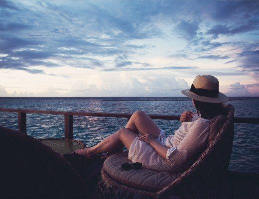 anna frost maldives malediven velassaru island sunset
