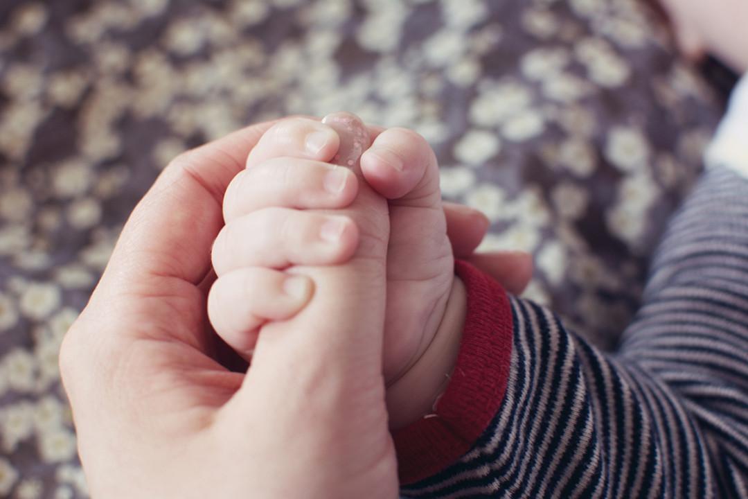 emma hand halten