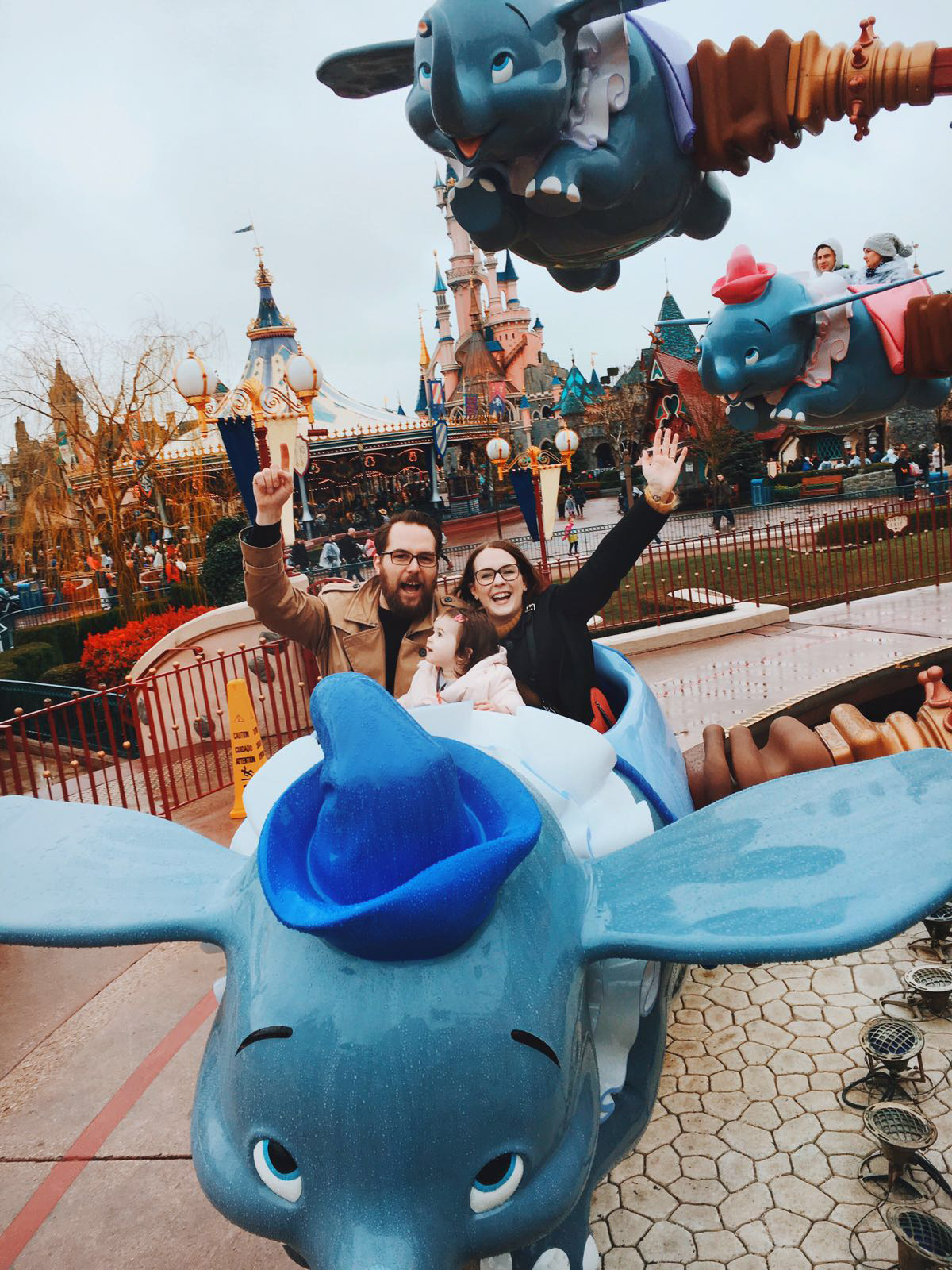 anna frost fafine disney disneyland paris dumbo ride