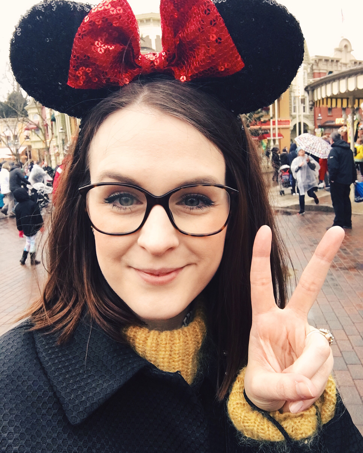 anna frost minnie mouse disney disneyland paris