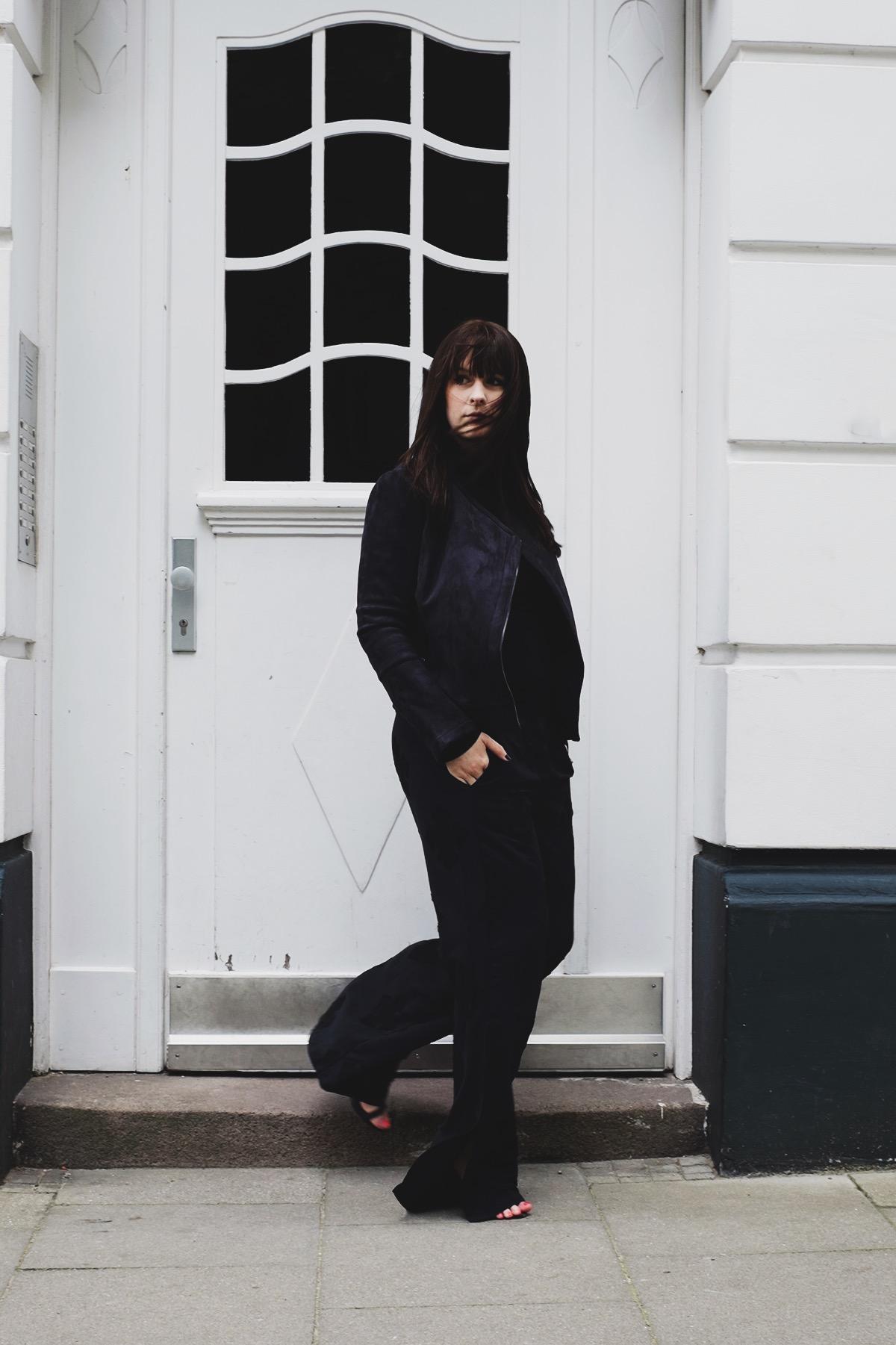 anna frost fashionblogger hamburg fafine all black outfit