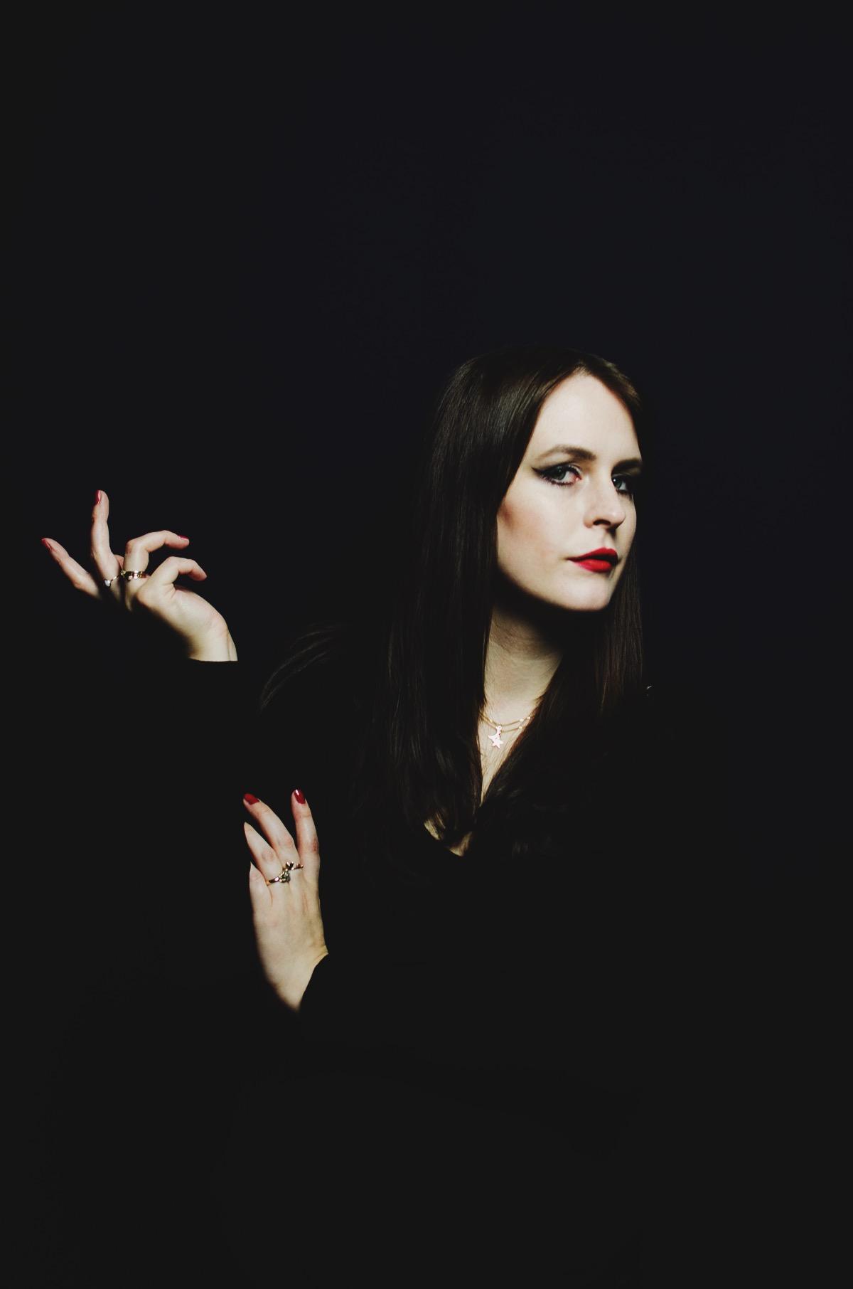 Morticia Addams Anna Frost