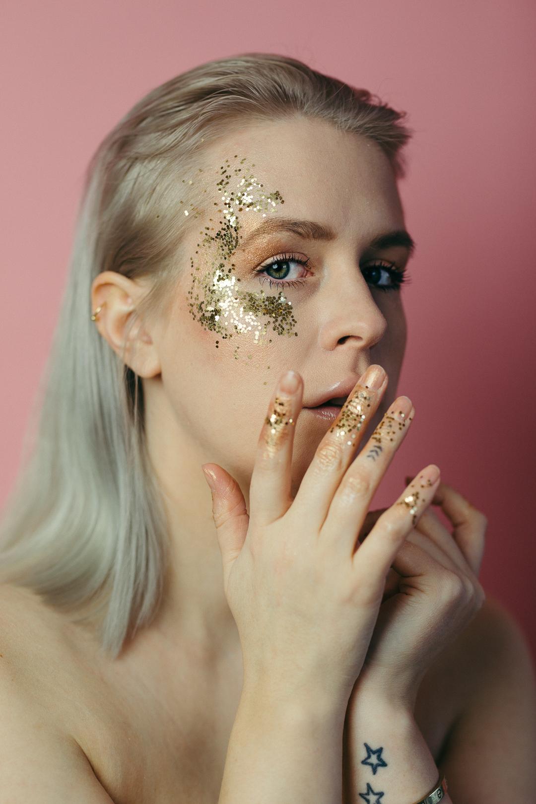 glitter-anna-frost-01